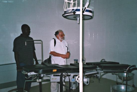 Claude JALLE - Bloc opératoire de l'hopital de Pama